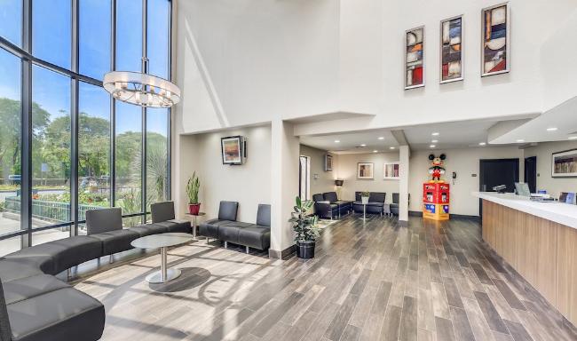 Lobby Business Center